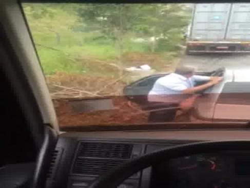 Flagras nas estradas