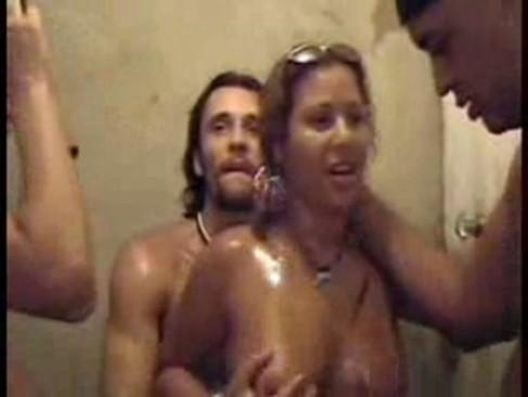 Suruba no Baile Funk sexo e putaria