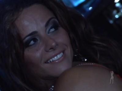 Voyeur – Viviane Araujo a Stripper dos seus sonhos completo