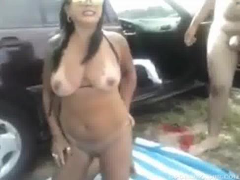 Mulher gemendo de dor - http://www.videosnacionais.com