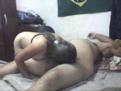 Marido viajou e a esposa liberou para outro macho